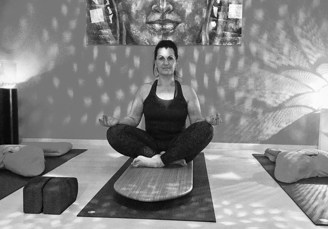 Hatha Yoga / Yin Yoga / SUP Yoga Indoor / Board Yoga